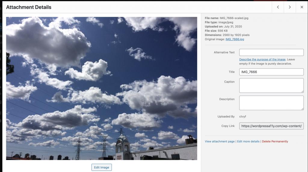 Adding attachment datails - Alternative text, title, caption, and details